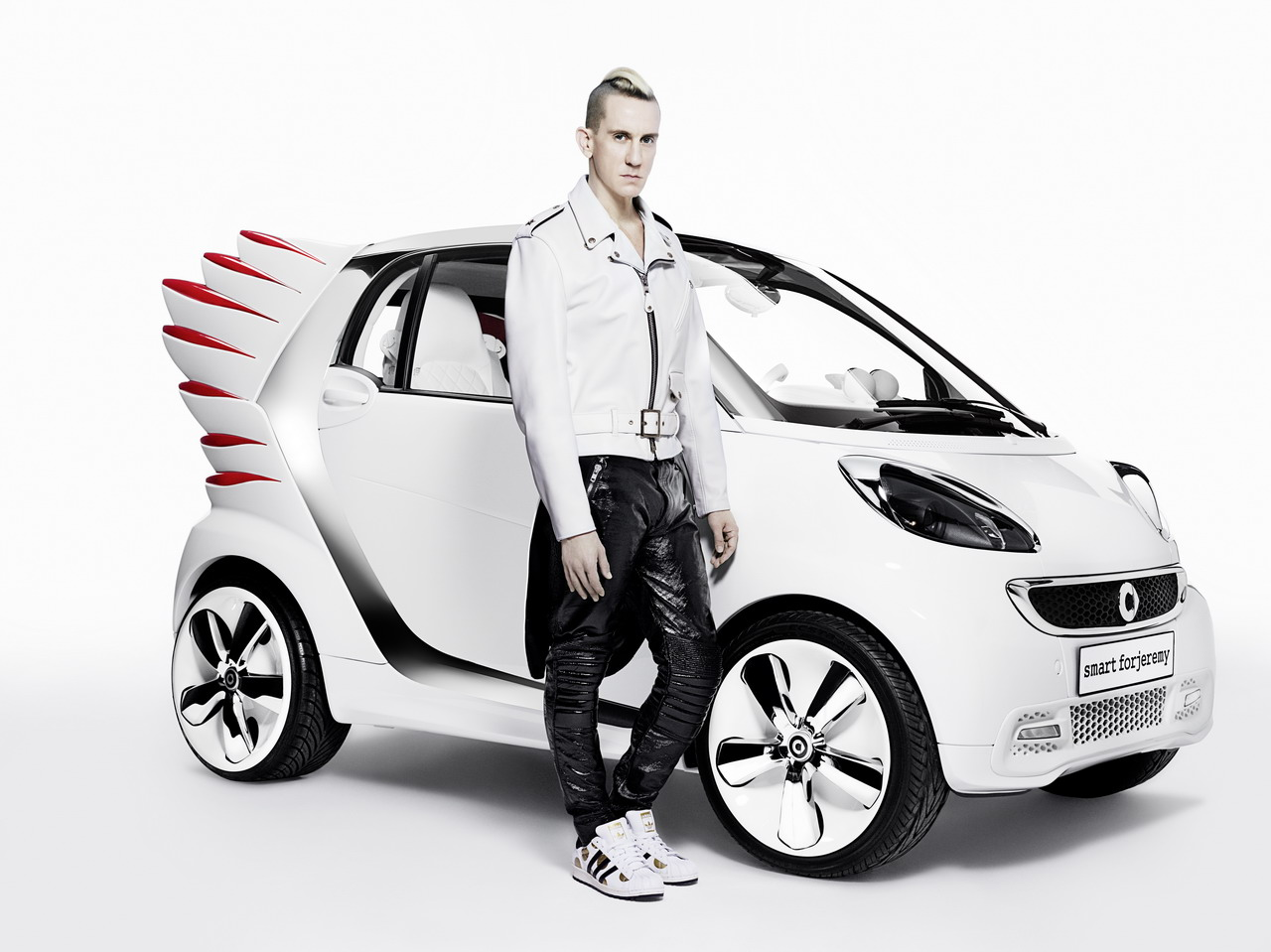 Jeremy Scott smart car1 JEREMY SCOTT x SMART CAR TOKYO PARTY